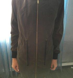 Куртка тонкая.