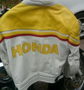 Куртка кожа размер XL