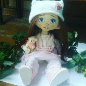 Куколка из текстиля.