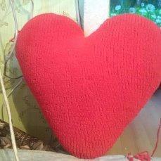 декоративная подушка-сердце