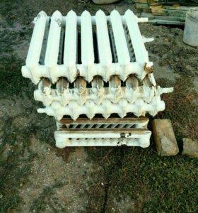 Радиатор ( чугун ) 7 секций в хорошем состоянии