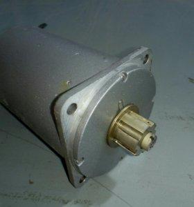 Электродвигатель ДАТ—250-8