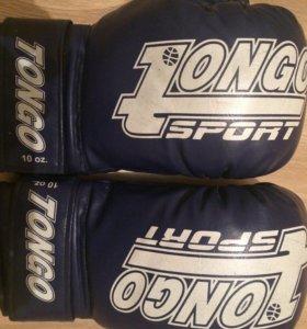 Боксёрские перчатки б/у+ боксерские шорты размер s