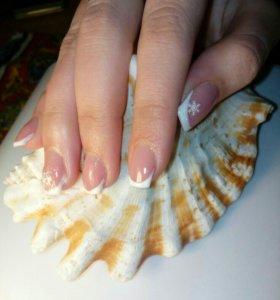 Покрытие гель лак, укрепление ногтей гелем.