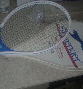 Ракетка для большого тенниса подростковая.