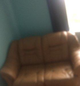 Кожаный финский диван