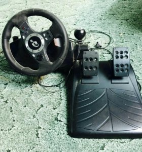 Игровой руль, в рабочем состоянии не хвата  блока