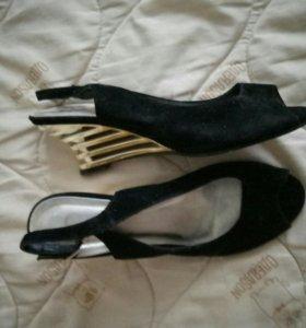 Туфельки-босоножки