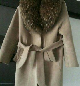 Крутое пальто.
