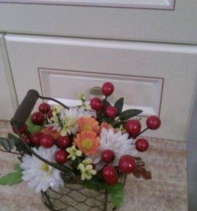 «Корзинка с цветами и ягодами»