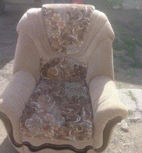 Кресло почти новое. .