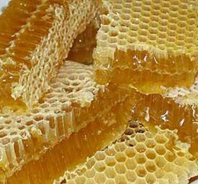 Мёд в сотах с личной пасеки