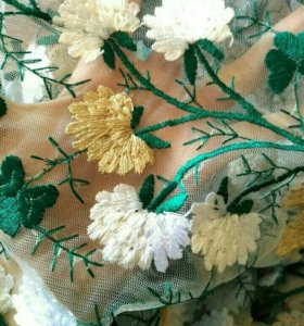Ткань, вышивка на сетке