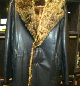 Зимнее коженое пальто с волчим мехом