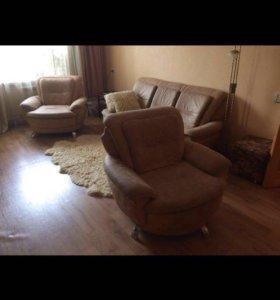 Диван с креслами кожа