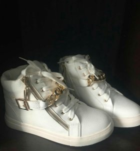 Ботинки зимние. Новые