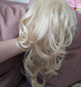 Шиньон хвост блонди