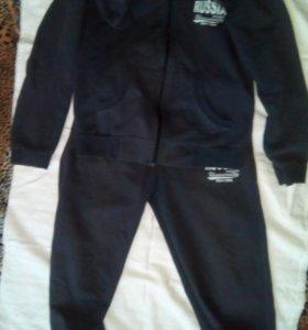 Спортивный костюм 8-9 лет