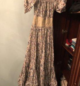 Шикарное платье,размер S одевалось один раз