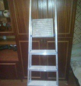Лестница-стремянка 4х ступенч. Алюминий