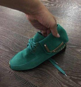 Ботинки замша  деми р36-37 новые