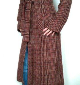 Пальто полушерсть р-р 46-48 б/у, в подарок сапоги