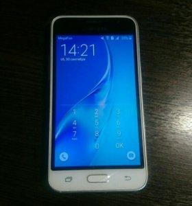 Телефон samsung galaxy j1(120)