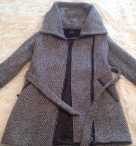 Продам осеннее пальто)