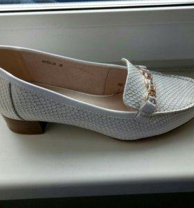 Обувь женская. Новая.