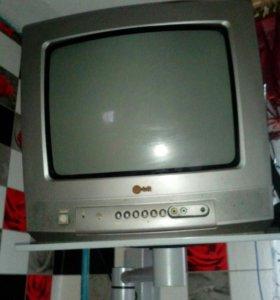Телевизор LG+ кронштейн+ антена