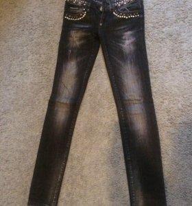 Продаются чёрные джинсы