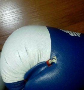 Боксёрские перчатки б/у