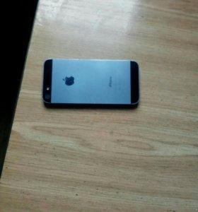 Айфон 5 с чихлом и защитном стиклом званите по тел