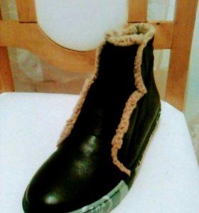 Очень модные ботиночки ( Новые)