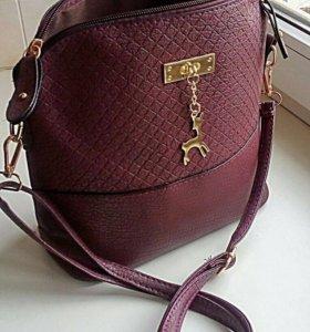 Новая сумка с брелоком