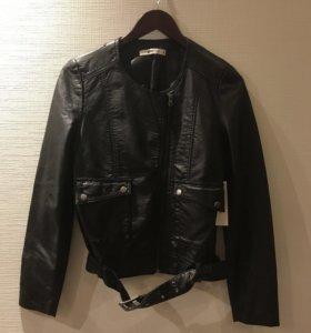 Байкерская куртка Mary Biker Jacket GINA TRICOT