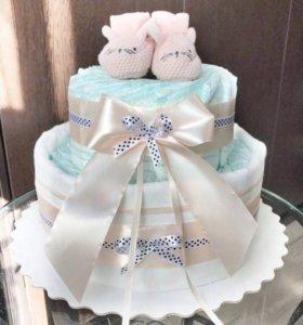 Торты из памперсов и пироженки из одежды
