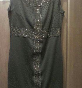 Маленькое черное платье. 40-42 размер