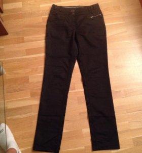 Брюки 42 размер джинсы черные