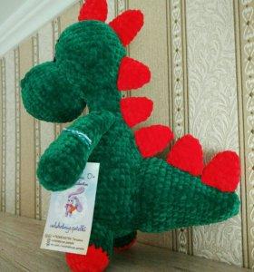 Динозаврик плюшевый