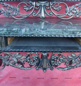 пуфик ,зеркал,о бра 2-шт ,столик