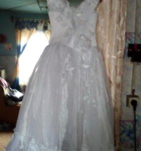платье белое очень красивое