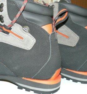 Альпинистские ботинки QUECHUA BIONNASSAY 300