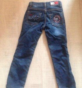 Утепленные детские джинсы. Размер от 4 до 6 лет