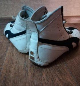 Высокие кроссовки (боксеры)