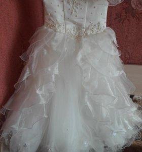 Платье на девочек 8-9 лет