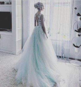Свадебное платье(нежное,мятного цвета)