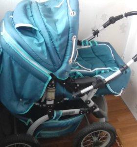 Коляска зеленая с сумкой для переноски