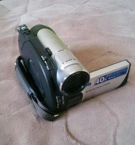 Видеокамера SONY DCR-DVD109E.