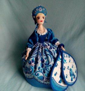Кукла-грелка на чайник.